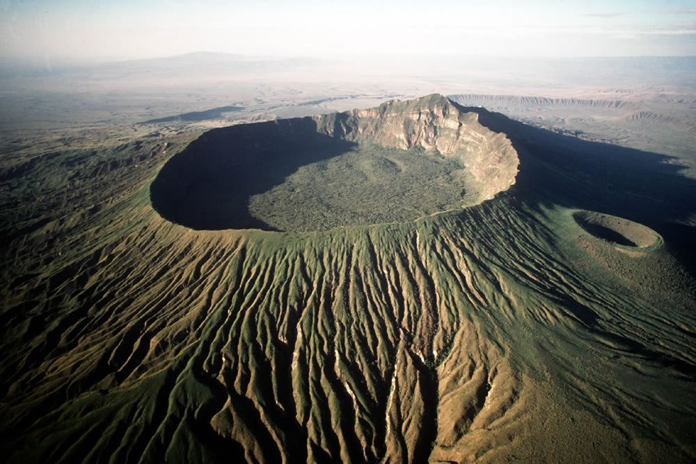 Mount Longonot un día soleado en Kenia