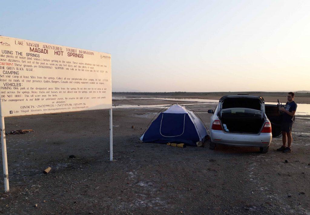 Camping en el lago Magadi