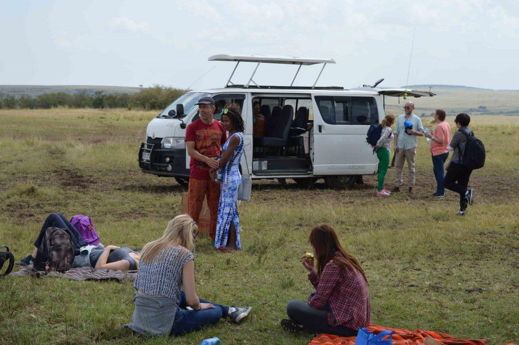 Safari en grupo en el masai mara
