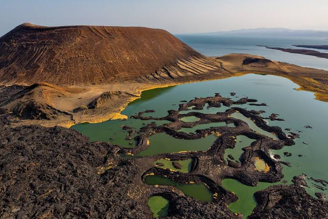 Lago Turkana en ele norte de Kenia