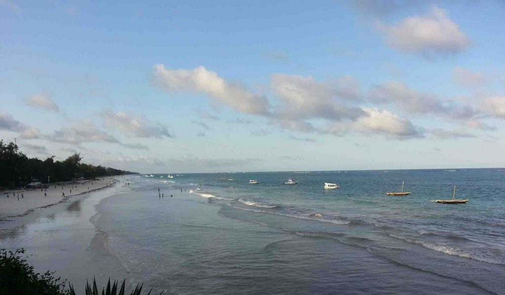 Playas de Diani en la costa sur de Momabsa
