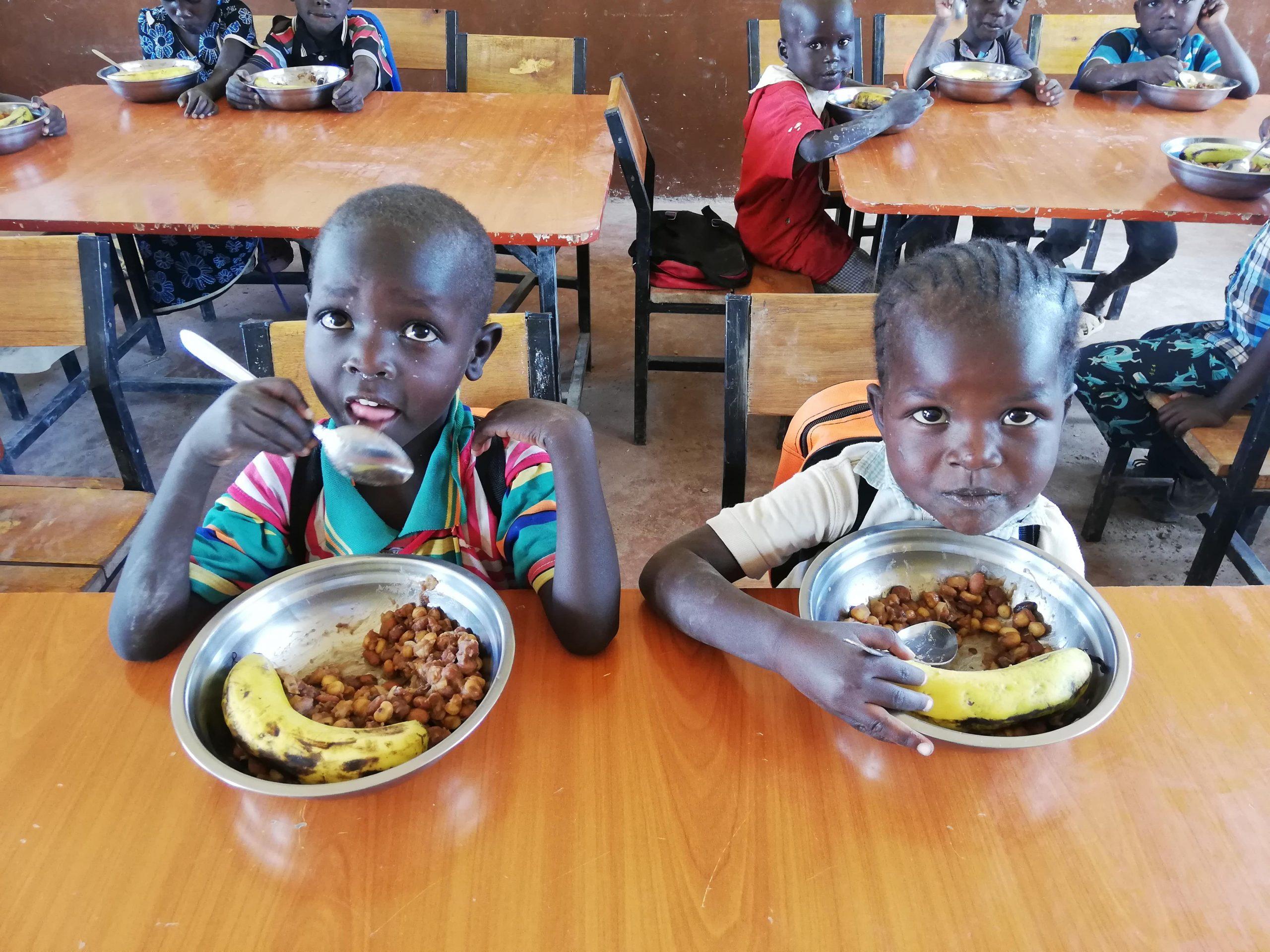 Comedor del colegio en Chumvi
