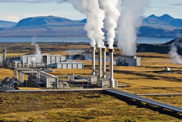 Planta geotérmica en el valledel Rift